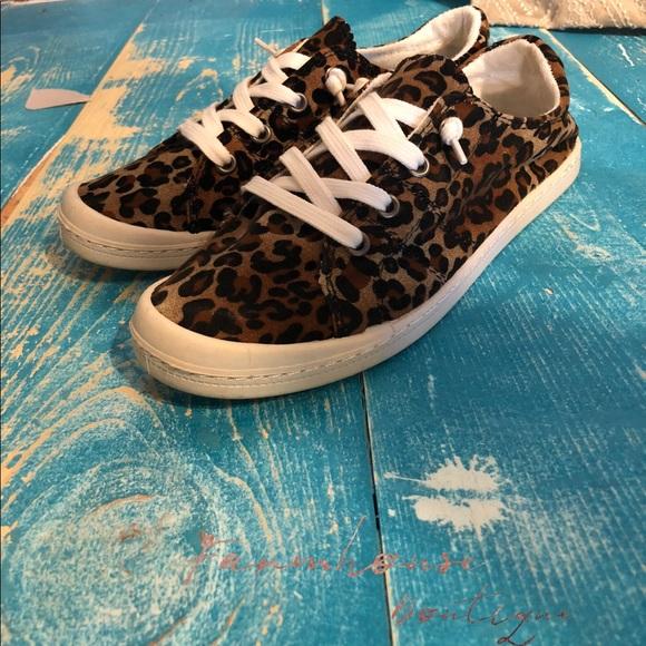 02395d81393 Leopard Comfort Sneakers